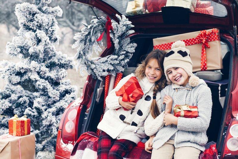 Little girls at Christmas - Good Little Sleeperzzz